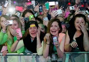 The top 10 types of people you will find at every single concert ever in life.