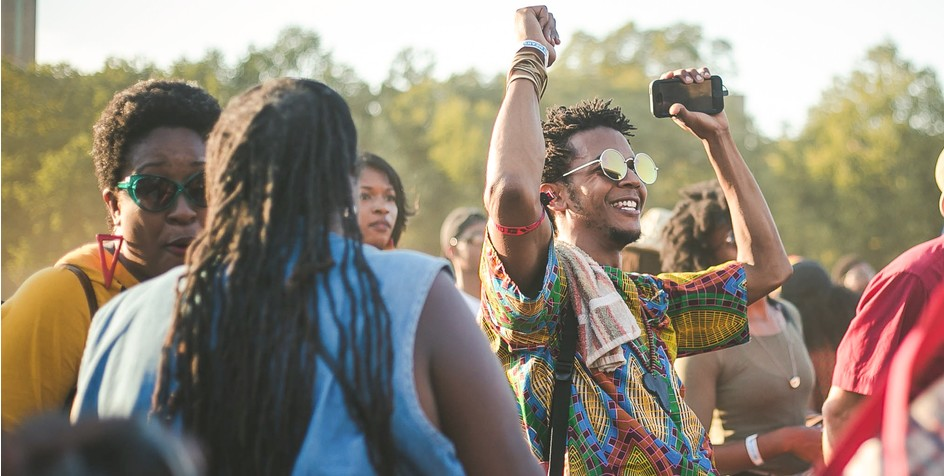 10 People you'll see at a musicfestival...